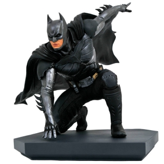 DC Video Game Gallery Injustice 2 Batman figure 15cm