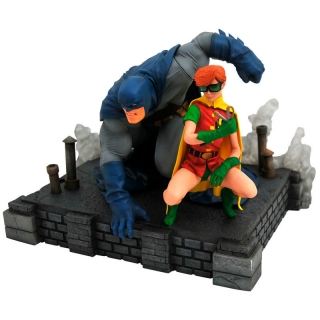 DC Comics The Dark Knight Returns Batman & Robin statue 20cm